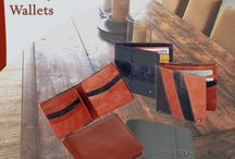 Men's Leather Wallets / Totally a classy leather wallets which can enrich your personality