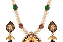 Elegant Traditional Indian Bollywood Kareena Kapoor Inspired Pendant Necklace Set