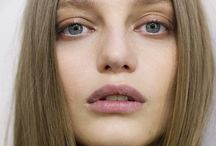 Database make-up/hair