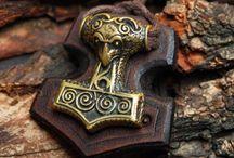 Mjolnir/thors hammer