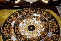 Versace Home Tableware / Rivenditori Autorizzati  di tutte le collezioni Versace Home Table e accessories, con il miglior prezzo online. Su www.tiffanystore.it Per info tel +39 0942 56574  whatts up 334 3955193
