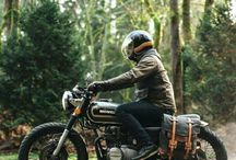 Cafe Racer Bags