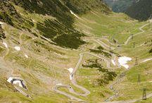 Transfagarasan / Transfagarasanul este drumul printre muntii Fagarasului, ce incepe din localitatea Bascov, judetul Arges si se termina in apropierea localitatii Cartisoara, judetul Sibiu.  Cu o lungime de aproximativ 152 Km, parte a DN 7 C, drumul face legatura intre cele doua provincii istorice Muntenia si Transilvania.