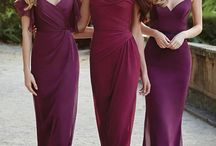 Bridesmaid Dresses / Carry the theme of your wedding through all pieces, including your bridesmaids dresses.