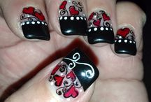 nails / by Sandra Dinelle