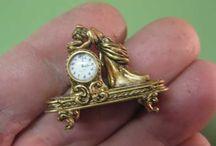 Horloge miniature