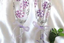 Glass Painted Champagne Flutes / Personalised Weddung Champagne Flutes