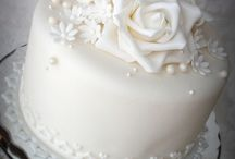 Cakes, cakes, cakes! / by Heather Lynne