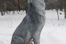 Chainsaw / Wolf