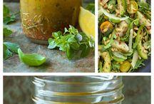 Dressings / Aliños y salsas ricas para las ensaladas