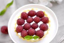Framboises / Les framboises on ne s'en lasse jamais ! Natures, en tarte, en tiramisu, en verrines, la framboise se décline en 1001 recettes pour ravir vos papilles !