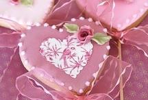 Valentine's Day Goodies and Romantic Treats / by Edwina Dickert