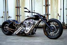 Motorky (motorbike) / Dvě kola s motorem