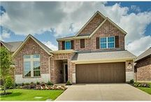2805 Cole Castle Dr. Lewisville, TX  75056 / This is a builder CLOSE OUT reduced to $410,000.  Has 4 bedrooms, 2 up, 2 down. Chefs kitchen with huge island and stainless steel appliances. Large study, game and media room. http://2805colecastledr.AgentMarketing.com http://IdealRealEstateGroup.com #DavidWeekleyHomes #Builder #SandyLuedke #NewHome #2story #CastleHills #Lewisville
