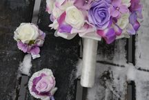 Netradiční svatební kytice / Nabízím výrobu netradičních svatebních kytic a dekorací. Kytice Vyrábím na zakázku dle požadavků nevěsty. Vše můžeme sladit do barev a stylu svatby. Dělám klasické vázané kytice z umělých květů nebo velmi netradiční kytice z knoflíků.