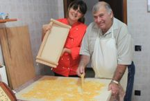 Maccheroni alla Chitarra / Maccheroni alla Chitarra (a fresh pasta totally from scratch) - how to make Maccheroni with a Guitar tool with the Chef Mama Isa http://isacookinpadua.altervista.org/pasta-making.html