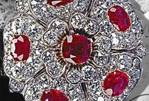 Royal Jewels England / Royal Jewels Historic Jewelery of the nobles,aristocracy and the royals.