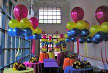 Balloon Centerpieces / Colorful & fun balloon centerpieces