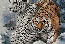 Cross stitch Wild Cat Family 24
