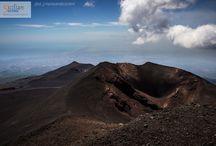 Etna / Con il nostro tour andremo in uno dei vulcani più affascinanti d'Europa, raggiungeremo quota 3000 m e potremo da vicino vedere i suoi crateri. L'Etna regala spettacolari visioni sia d'estate che d'inverno!!