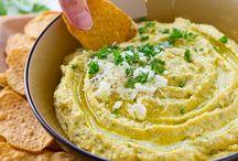 Hummus (roasted garlic). / Dips