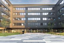 Płyty brukowe Novator - realizacja przy kompleksie biurowym DOT Office w Krakowie / Nowoczesne płyty brukowe zabudowane przy kompleksie biurowym DOT Office w Krakowie