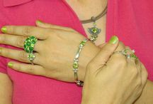 How To Wear Vintage Jewelry