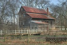 North Carolina Barns / Travel the #backroads and #byways of #northcarolina and you'll find old #farm #barns dotting the #landscape. This board is my work to document these relics of the past before they return to the soil.