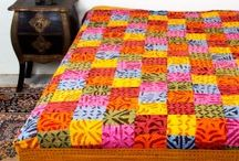 Buy cotton bed sheets online / Buy cotton bed sheets online which are usually the piece of clothes in rectangular shapes exposing different designs and patterns to cover the sleeping mattresses.