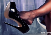 Exciting high heel wear / High heels in an exciting setting with lots of leather, latex and/or other fetishes