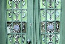20 Puertas, ventanas, cerraduras, escaleras