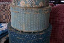 Love Primitive Blue / Painted antiques