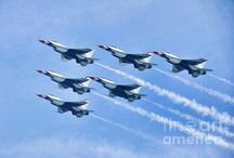 Cleveland National Air Show / Photos captured at the 2015 Cleveland National Air Show featuring the U.S. Air Force Thunderbirds