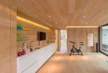 Parketvloer voor in de Keuken. / Prachtige parketvloer voor in uw keuken. Ook mogelijk met vloerverwarming #parketvloer #keuken #vloerafwerking #wooden floor #kitchen #inpsiratie