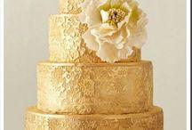 Wedding Cake : G O L D