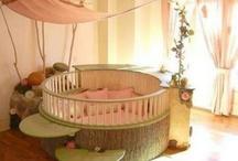 """° Baby – Zimmer ° / Junge oder Mädchen, Zwillinge oder Überraschung - hier findest du Ideen für die perfekte """"Schatz""""-kammer! Klassisch rosa oder hellblau, mit Elfen, Einhörnern, Rittern oder Schmetterlingen, im romantischen Landhausstil oder lässig urban - zum Kaufen oder Selbermachen!"""