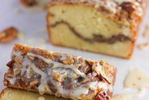 Sour Cream Coffee Cake / Sour Cream Coffee Cake Recipes!