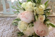 En kipo / wedding bouquets - νυφικές ανθοδέσμες
