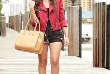 Nanysklozet / 25 year old fashion blogger from Venezuela but Living in Miami. She has the most amazing style