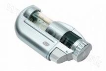 TOOLs True Utilty / Značka True Utility - to sú vysoko kvalitné doplnky vyrobené špičkovými technológiami. Multifunkčné nástroje, LED svietidlá, užitočné kľúčenky či vetru odolné zapalovače sú ideálnymi darčekmi pre pravých mužov! Všetky produkty značky True Utility sú dodávané v praktickom darčekovom balení. http://www.coolish.sk/sk/muzske-darceky