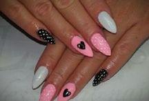 Zzzzz.... Nails