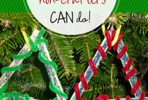 Crafts for Kids - Mom of the Year / From filling rainy days to feeding a little artists' love for artwork, kids LOVE crafts!  These are ideas that I have tried or hope to try with my kiddos - they are cute, fun, and easy!