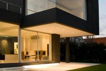 ARCHITECTURE / Black cube house