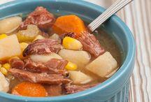 Crockpot Meals / by Kami Weeks