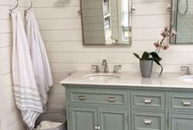 Bathroom Inspiration / It's time to get inspired! Whether you're planning a bathroom remodel or just looking to change up your bath's decor we have the inspiration to get the job started.