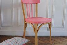 krzesła, stoły