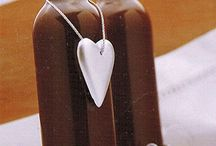Chocolate sauce for gifts