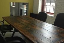 Stôl / Nabytok