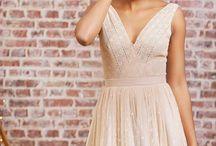 Robe de soirée - Prêt à porter 2018 / Découvrez notre collection prêt à porter Fabienne Alagama. www.fabiennealagama.com