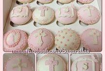 CHRISTENING CAKES & CUPCAKES